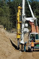 Beranění zápor zajišťujících stavební jámu hloubeného úseku tunelu Komořany v Praze