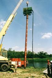 Vibrování pilot z ocelových rour průměru 600 mm