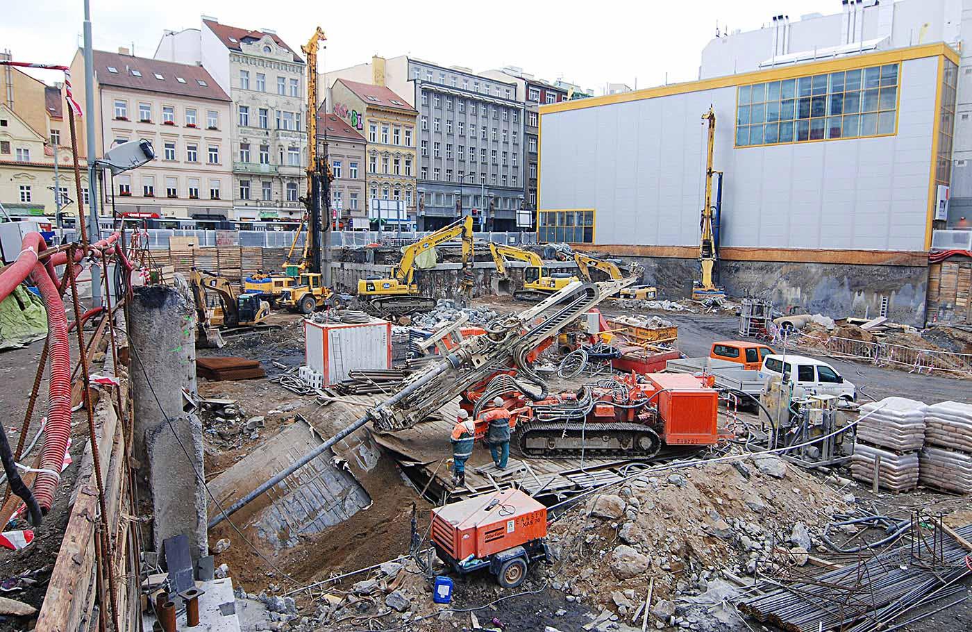 Zajištění stavební jámy administrativního a obchodní objektu Quadrio v centru Prahy